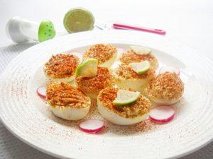 Фаршированные яйца с муссом из лосося