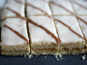 Пирожные с сахарной помадкой