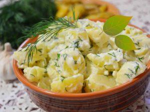 Картофель, запеченный с тыквой, сыром и сметаной