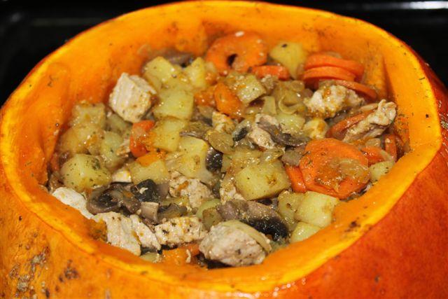 Говядина с тыквой и белыми грибами, тушенная в пиве