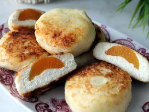 Сырники в духовке с абрикосами