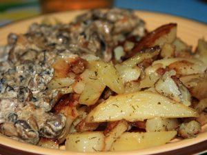 Грузди жареные с картошкой