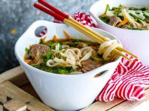 Вьетнамский суп с говядиной и лапшой