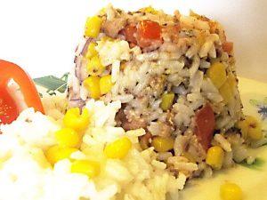 Рисовый салат с сардинами