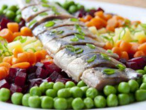 Сельдь с овощами