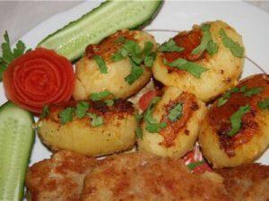 Шашлычок в духовке на картофельном кугеле