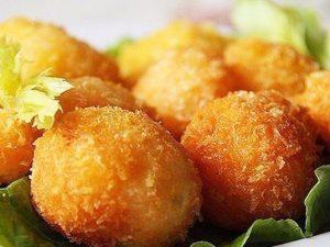 Сырные шарики с чесноком