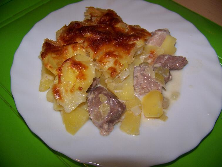 Запеченный картофель с мясом в духовке рецепт