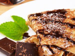 Блины с бананом и шоколадом: восхитительный рецепт
