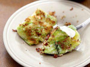 Блюдо дня: конвертики из молодой капусты с сыром