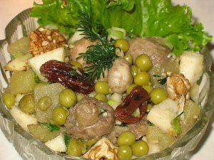 Великий пост: салат из грибов и картофеля «Услада»