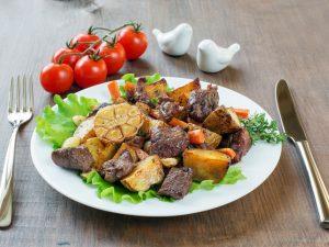 Жаркое в мультиварке: рецепт с говядиной и грибами
