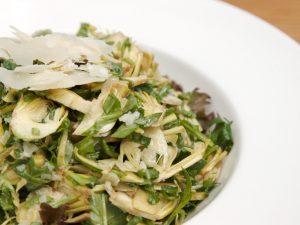Салат с топинамбуром и кукурузой