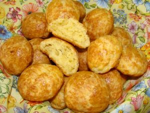Мини-булочки с чесноком и сыром