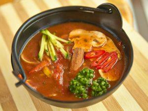 Томатный суп «Томато сиру» с грибами