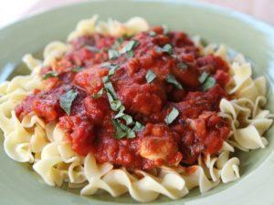 Мясо в томатном соусе по-итальянски