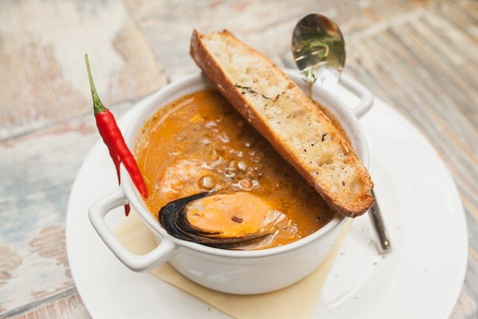 Суп из чечевицы и даров моря