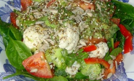 Полезный салат из цветной капусты