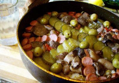 Селянка московская (мясная) на сковороде