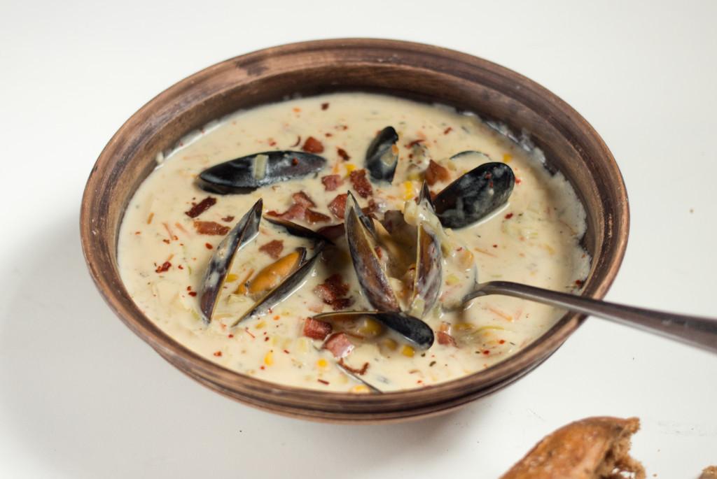 Суп из мидий с беконом