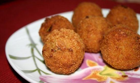 Картофельные шарики из пюре с грибами