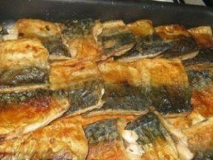 Скумбрия с овощами запеченная в фольге