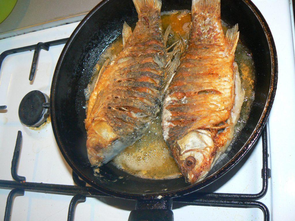 картинка рыбка на сковороде центральных