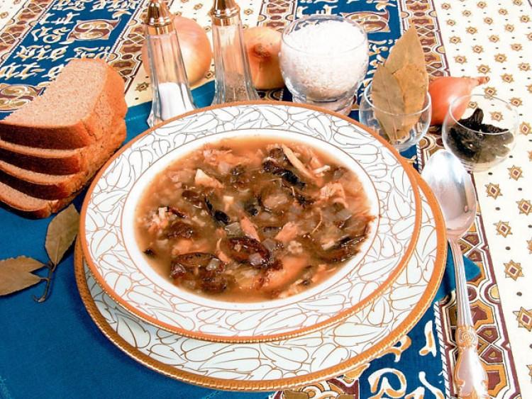 Куриный суп с черносливом
