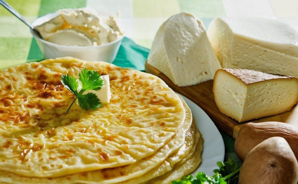 Лепешки с сыром на кефире на сковороде