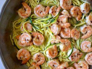 Спагетти из цуккини с креветками