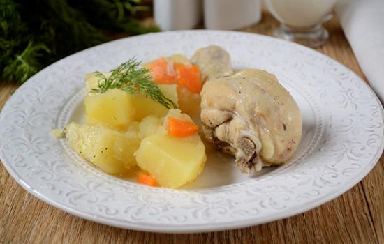 Как потушить картошку с курицей в мультиварке