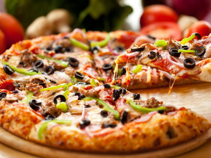 Горячий мед навсегда изменит то, как вы едите пиццу