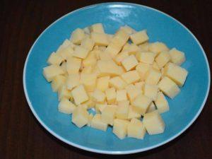 Салат c ветчиной, кукурузой и ананасами