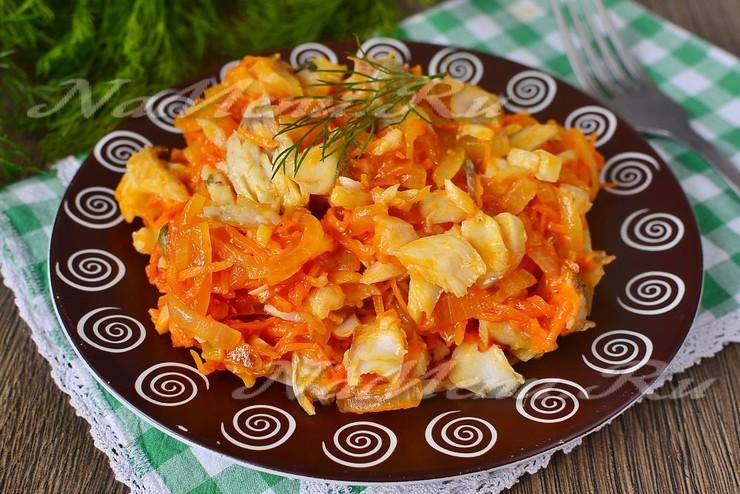Минтай под маринадом из моркови и лука