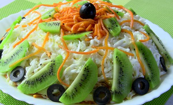 Салат с киви и корейской морковкой