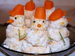 "Закуска""крабовые снеговики"""