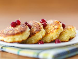 Сырники как в детстве: рецепт от Алексея Душки