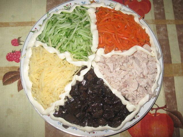 Салат «Фейерверк» с приятным и насыщенным вкусом