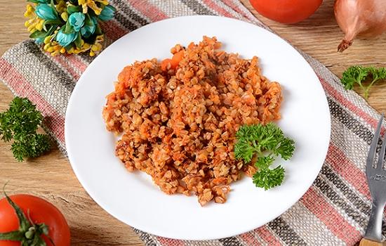 Гречневая каша в томатном соусе
