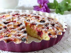 Вкусный быстрый пирог с ягодами