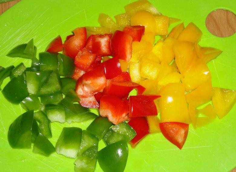 Простой испанский салат на скорую руку — из сезонных овощей