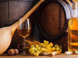 Как приготовить домашнее виноградное вино