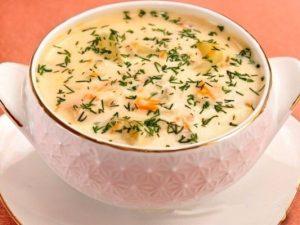 Суп из плавленных сырков и копченого окорочка
