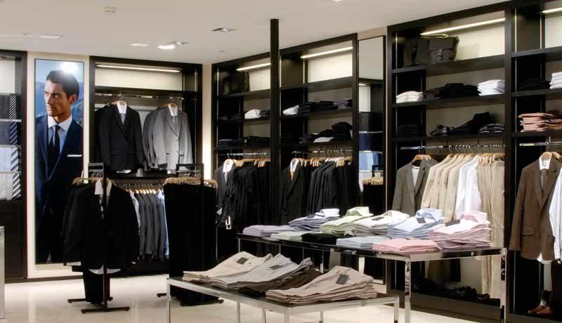 Как недорого открыть магазин одежды
