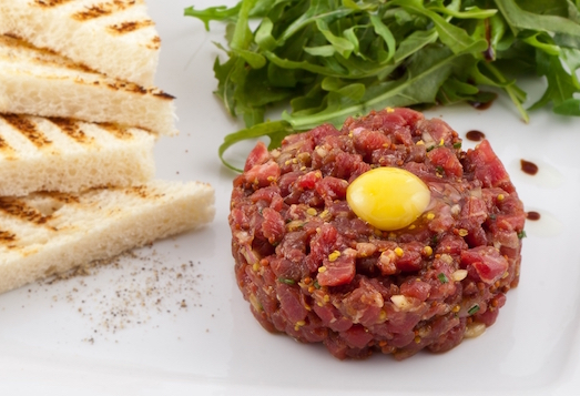 Тартар из говядины — изысканное блюдо своими руками
