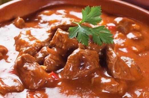 Мясная подлива — отличное блюдо для всей семьи