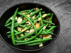 Зеленая фасоль с ароматным маслом
