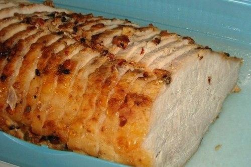 Свинина, запеченная с корицей и приправами