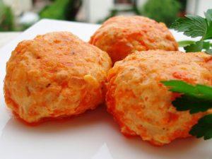 Куриные тефтели с тыквой в томатной подливке
