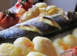 Рыба сибас с картофелем в духовке
